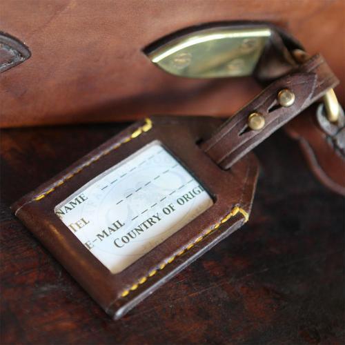 leather, luggage tag, gun case, shotgun, rifle, shooting, hunting