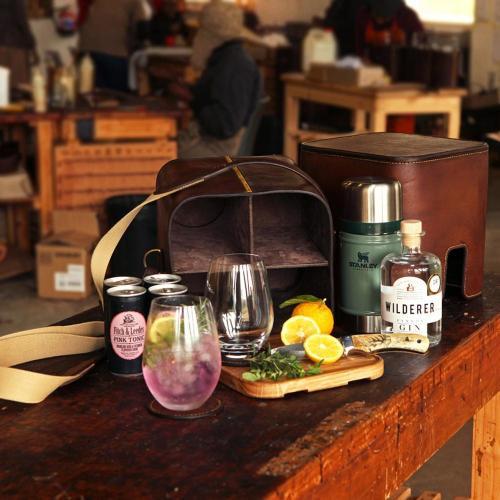 field bar, sun downer, gin, tonic, wine, leather, portable, bush bar, cocktails