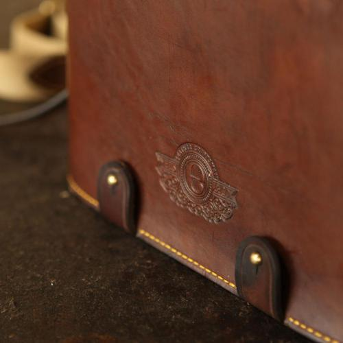 field bar, sun downer, gin, tonic, wine, leather, portable, handmade, stitching, embossing